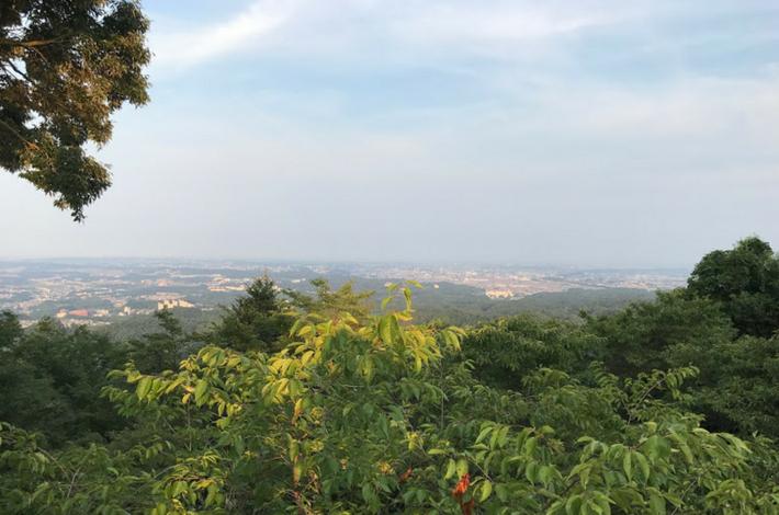 高尾山ケーブルカー乗り場からの景色