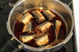 活力鍋でサンマの生姜煮のできあがり