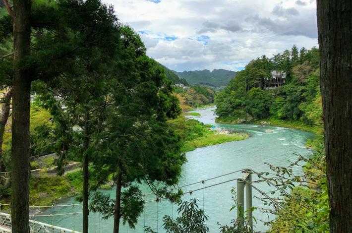 清流ガーデン 澤乃井園からの多摩川風景
