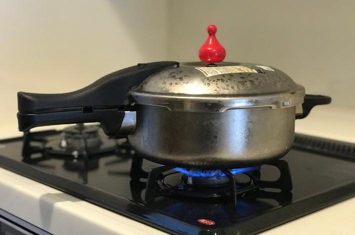 もち麦ダイシモチをゼロ活力なべで高圧で炊いて強火の状態