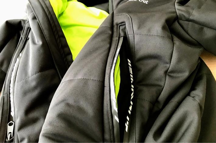 ワークマンプラス ファインドアウト STROM SHIELD WARM ジャケットのポケット部分